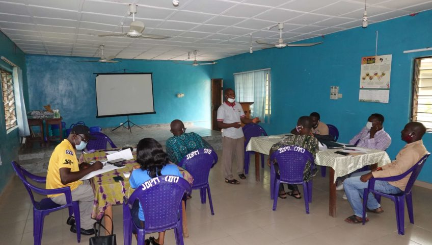 Extension agents meet to train farmers in COVID-19